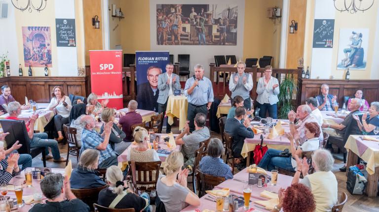 Voller Saal und viel Applaus für Dieter Reiter und Florian Ritter